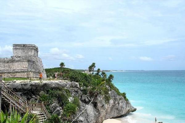 El-Castillo,-Tulum,-Riviera-Maya---Mexico
