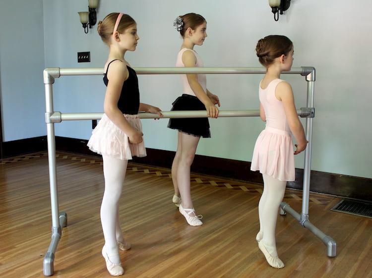 standing-ballet-barre