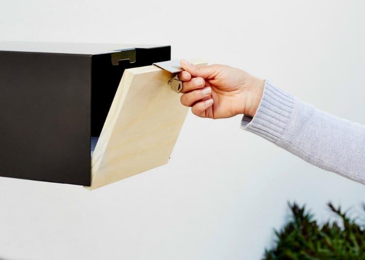 Fence javi letterbox