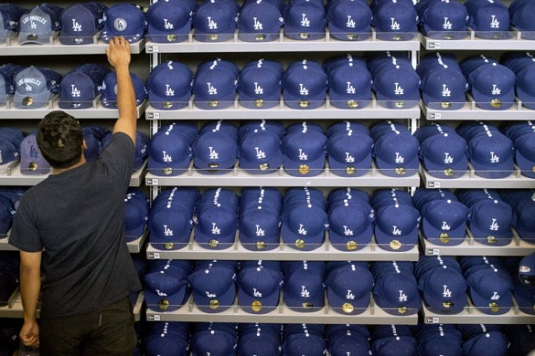 MLB clothing caps
